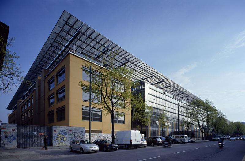 """DIMENSIONAMENTO ENERGETICO SEDE """"SOLE 24 ORE"""" (Progetto arch. Renzo Piano) a Milano"""