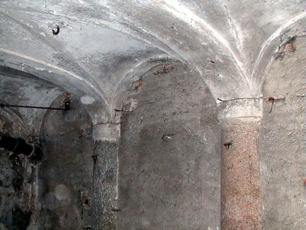 porta-romana-stalla3